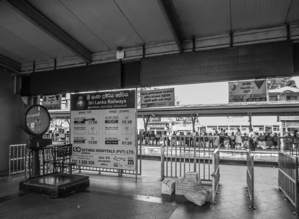 Colombo Badulla train