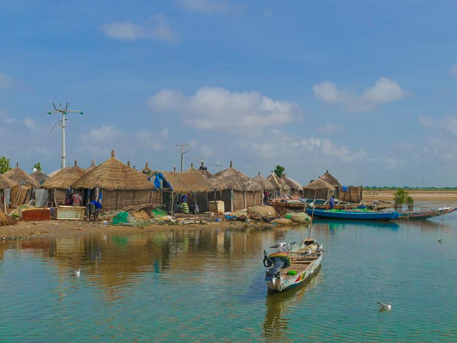 Foundiougne village
