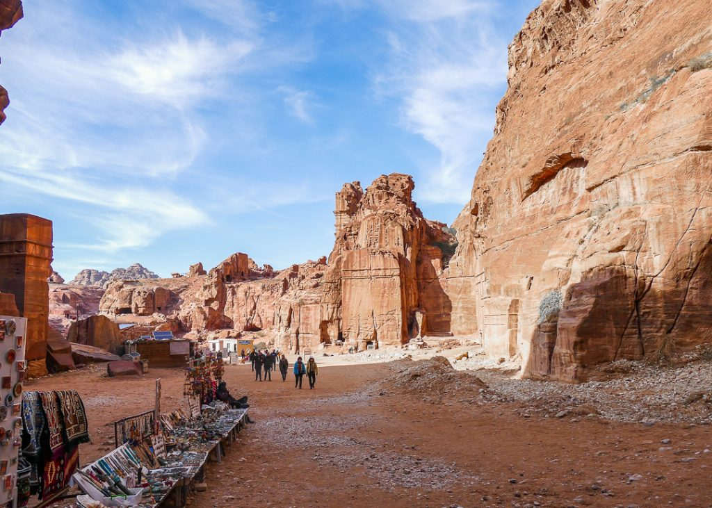 Which is the best month to visit Petra