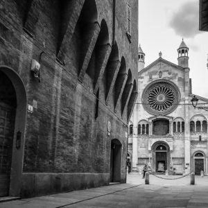 Modena Photo on Canva